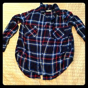Tops - Women's long sleeved flannel top size M